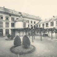 Cour d'honneur du lycée Jules Verne (1912)