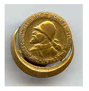 L'insigne des Poilus d'Orient : Bernard Allaire le tient de son père, ancien élève du lycée et ancien combattant